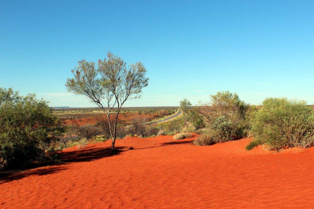 Australia0855_LasseterHwy_MountEbenezerLookout