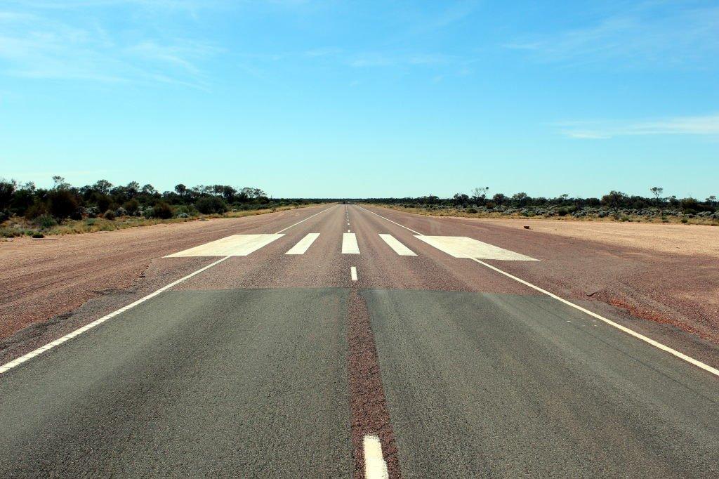 Australia0967_StuartHwy_airstrip