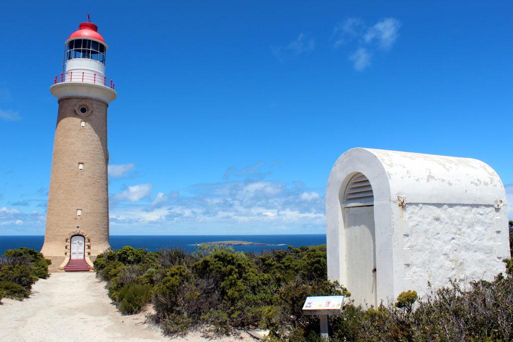 Australia1810_KangorooIsland_FlindersChaseNationalPark_CapeDuCouedicLightstation