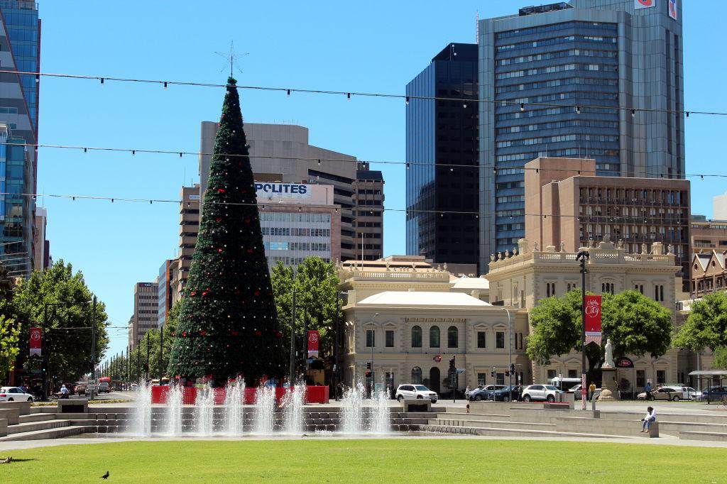 Australia2709_Adelaide_VictoriaSquare