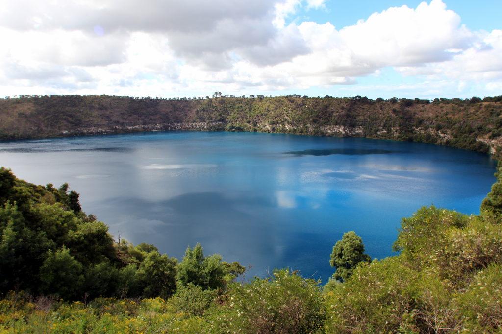 Australia2932_MountGambier_BlueLake