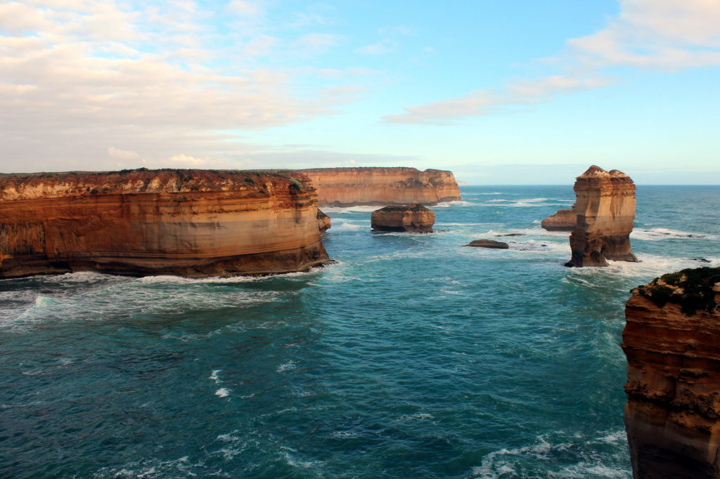 Australia3345_GreatOceanRoad_LochArdGorge_TheRazorback