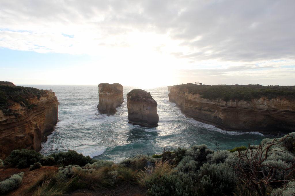 Australia3359_GreatOceanRoad_LochArdGorge_TomAndEvaLookout