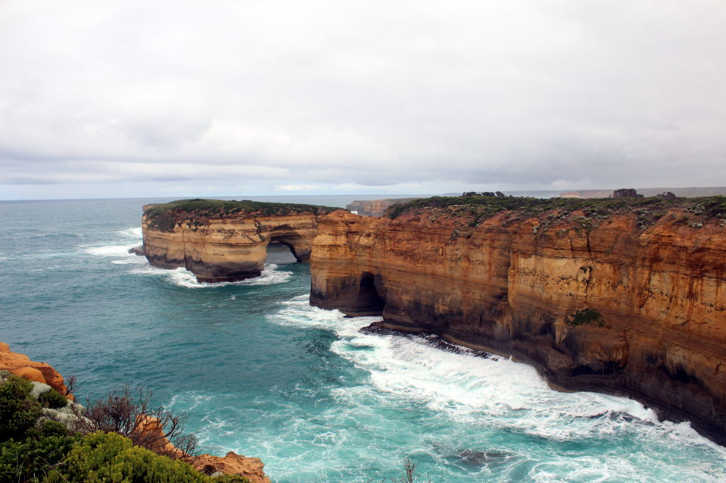 Australia3492_GreatOceanRoad_LochArdGorge_TheWreck