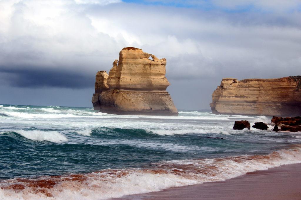 Australia3581_GreatOceanRoad_GibsonSteps