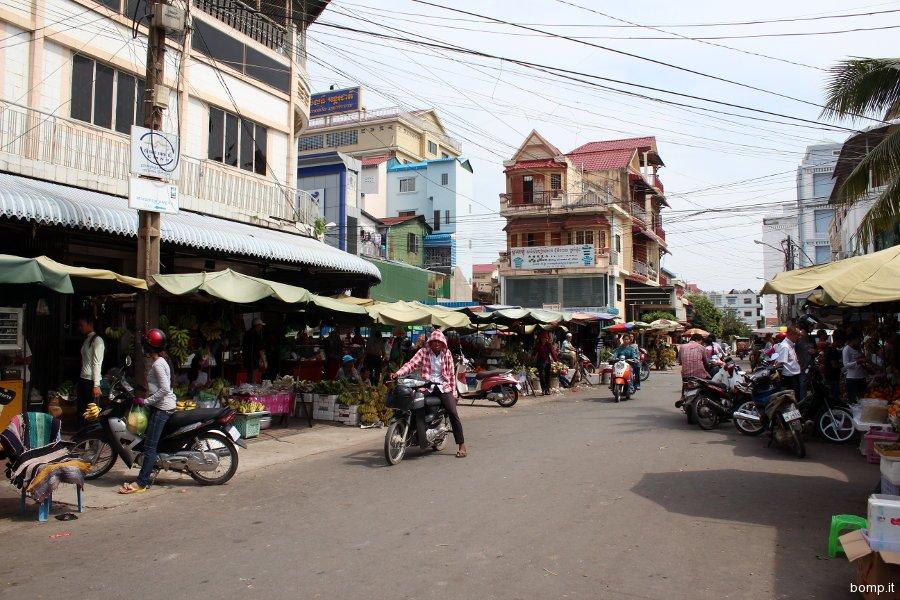 cambogia0023_phnompenh_russianmarket1