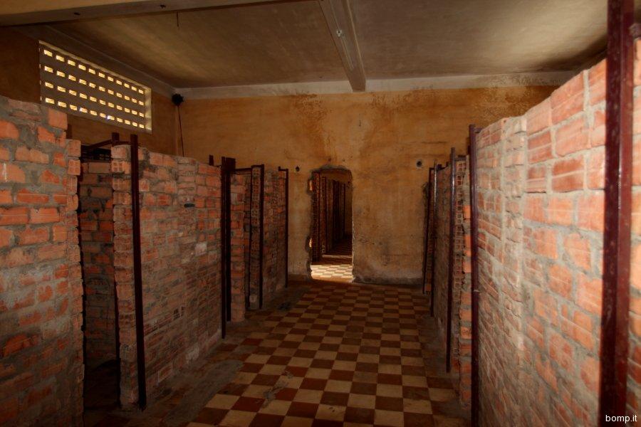 cambogia0039_phnompenh_tuolslenggenocidemuseum