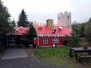 Islanda_20190909_162623_Akureyri_ChristmasHouse