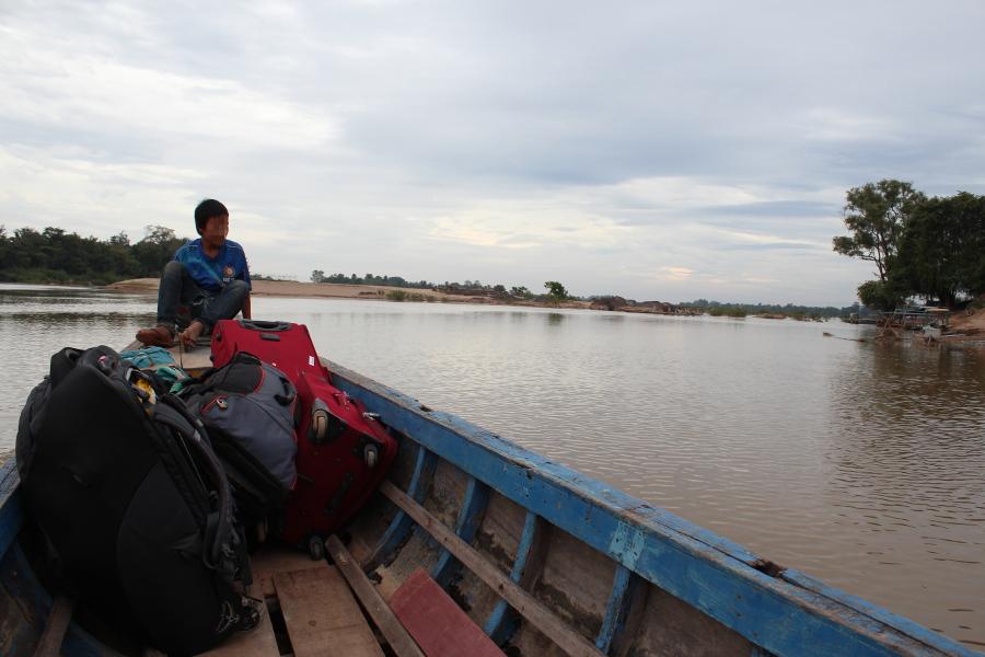 LaosThai0554_Laos_barcaPerDonKhong
