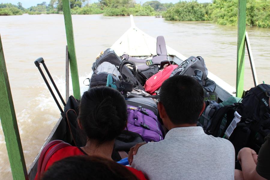 LaosThai0917_Laos_navigazionePerBanNakasong