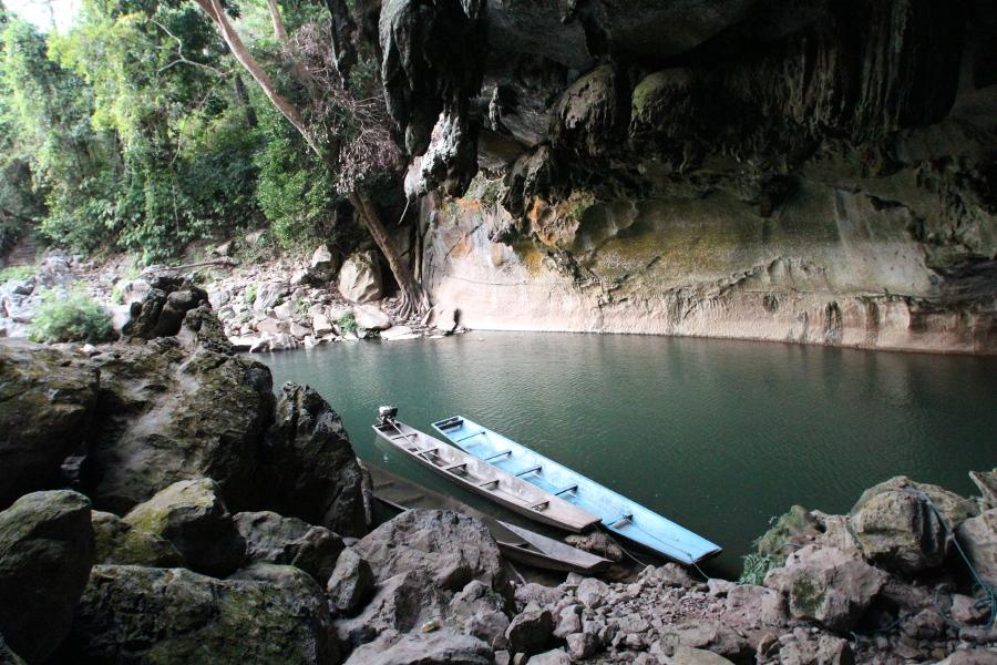 LaosThai1029_Laos_KongLorCave
