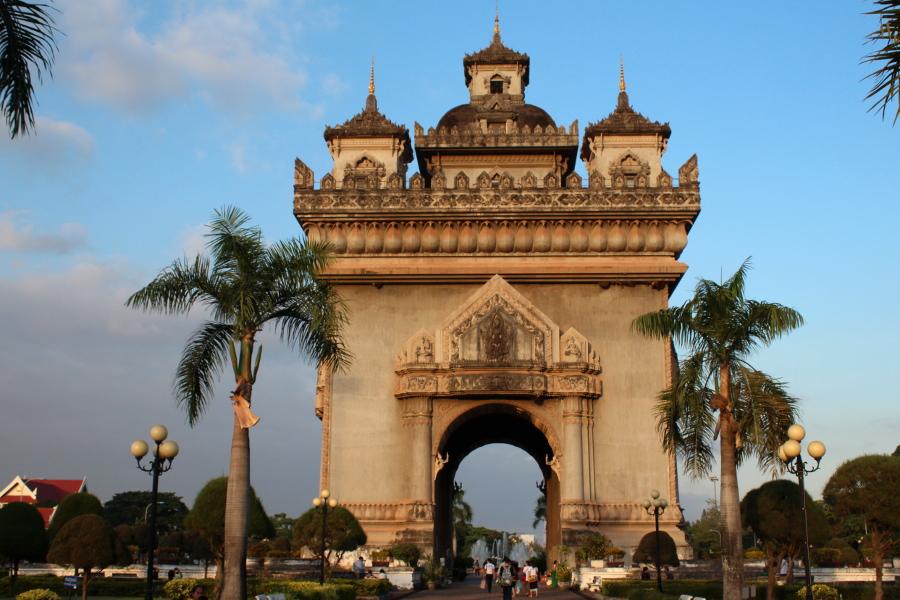 LaosThai1105_Laos_Vientiane_Patuxay