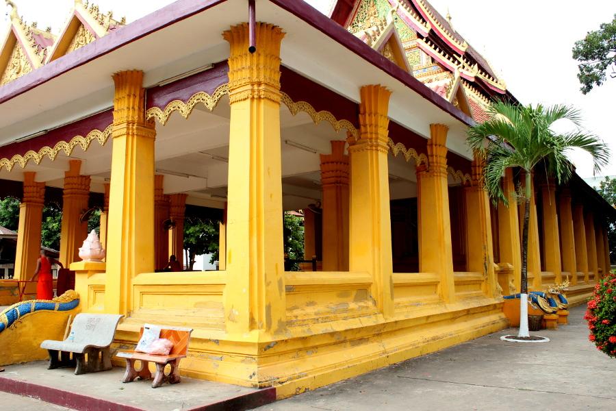 LaosThai1152_Laos_Vientiane_WatMixai