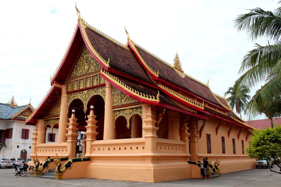LaosThai1169_Laos_Vientiane_WatOngTeuMahawihan