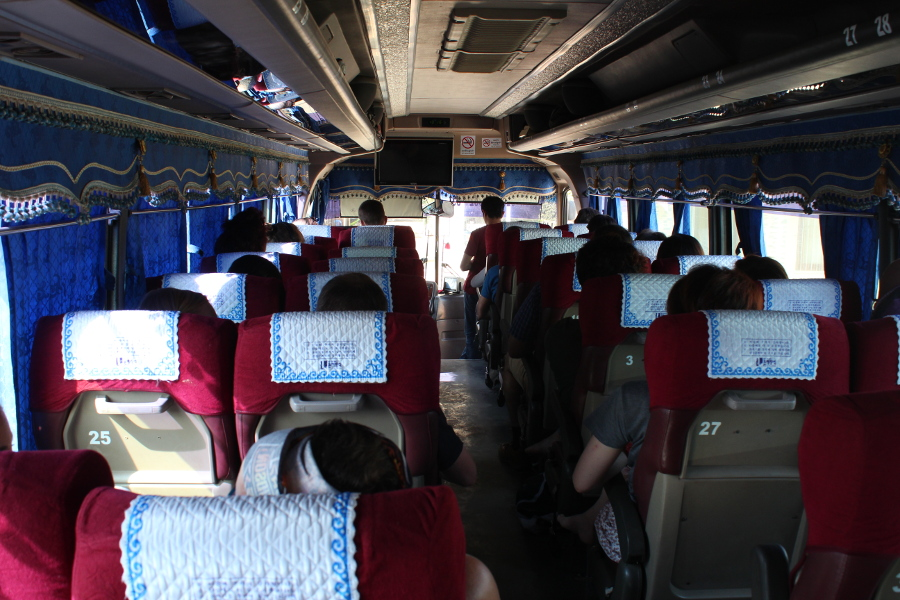 LaosThai1259_Laos_VangVieng_autobusPerLuangPrabang