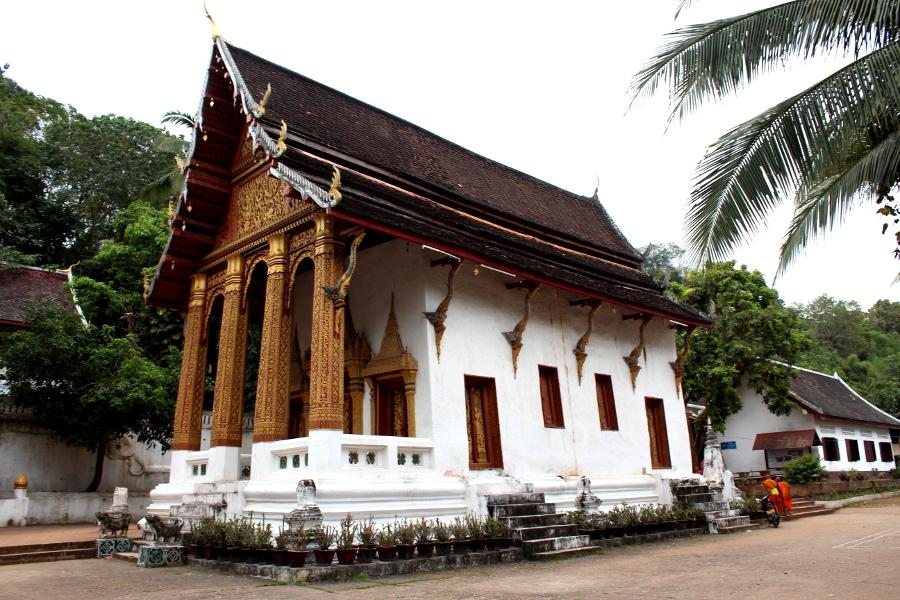 LaosThai1336_Laos_LuangPrabang_WatSiphoutthabat