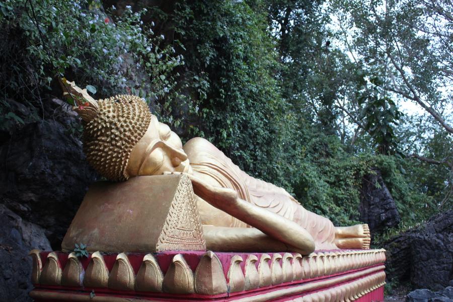 LaosThai1438_Laos_LuangPrabang_ThatChomsiStupa