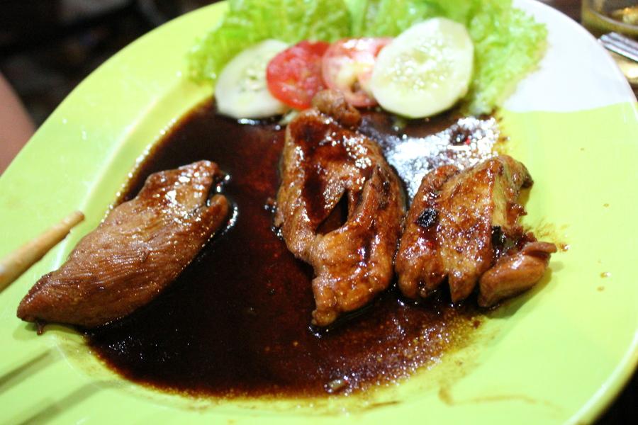 LaosThai1451_Laos_LuangPrabang_KhnuRestaurant