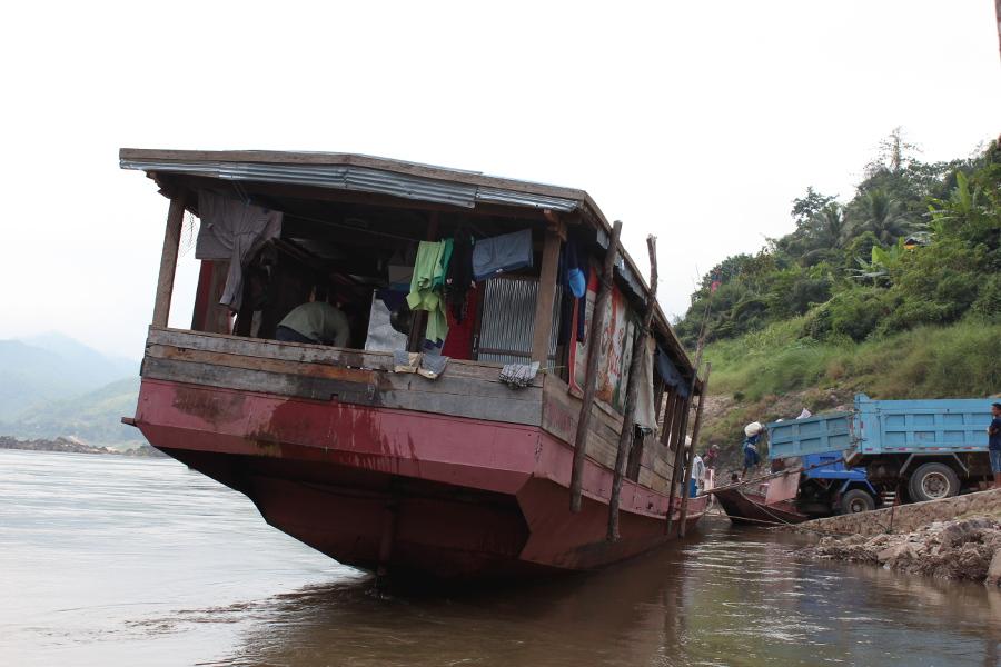 LaosThai1704_Laos_navigazioneMekong.jpg