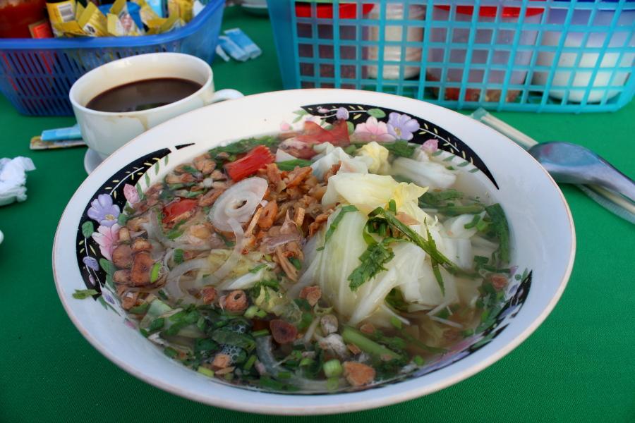 LaosThai1821_Laos_HouayXay_RiversideHouayXai.jpg