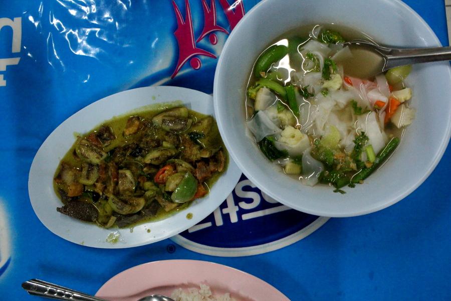 LaosThai1963_Thai_ChiangMai_ristoranteSuThaPhaeRoad.jpg