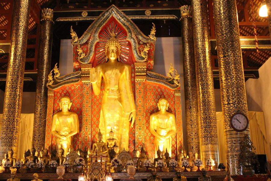 LaosThai1978_Thai_ChiangMai_WatChediluangVaraviharn.jpg
