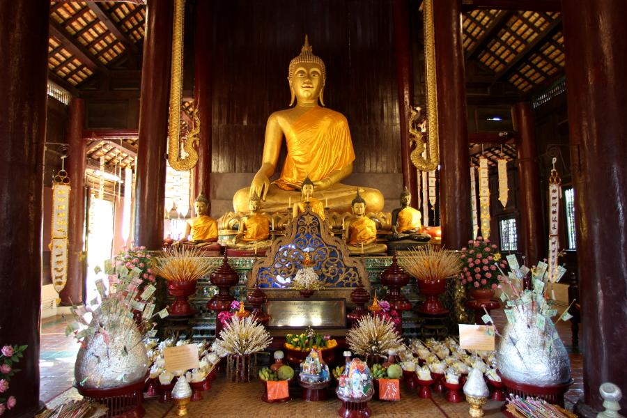 LaosThai1999_Thai_ChiangMai_WatPhantao.jpg