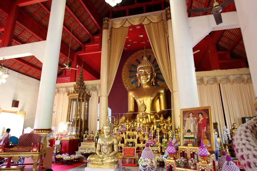 LaosThai2014_Thai_ChiangMai_WatPhraSinghVoramahavihara.jpg