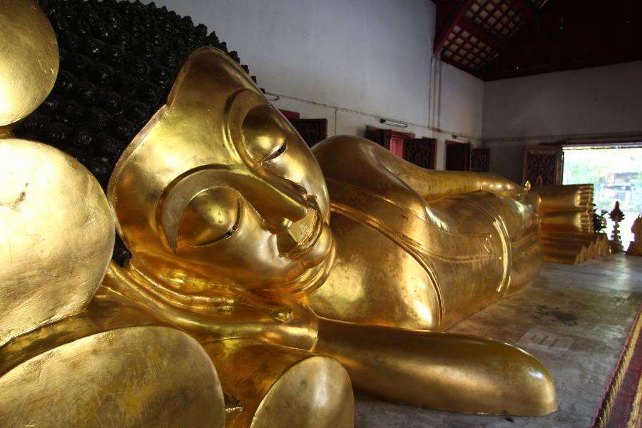 LaosThai2022_Thai_ChiangMai_WatPhraSinghVoramahavihara.jpg