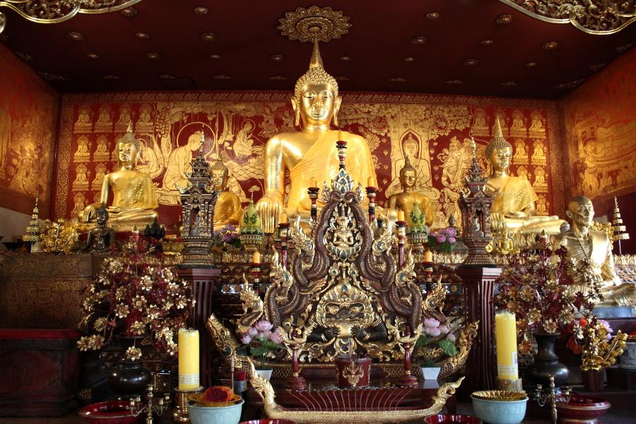 LaosThai2041_Thai_ChiangMai_WatDokkham.jpg