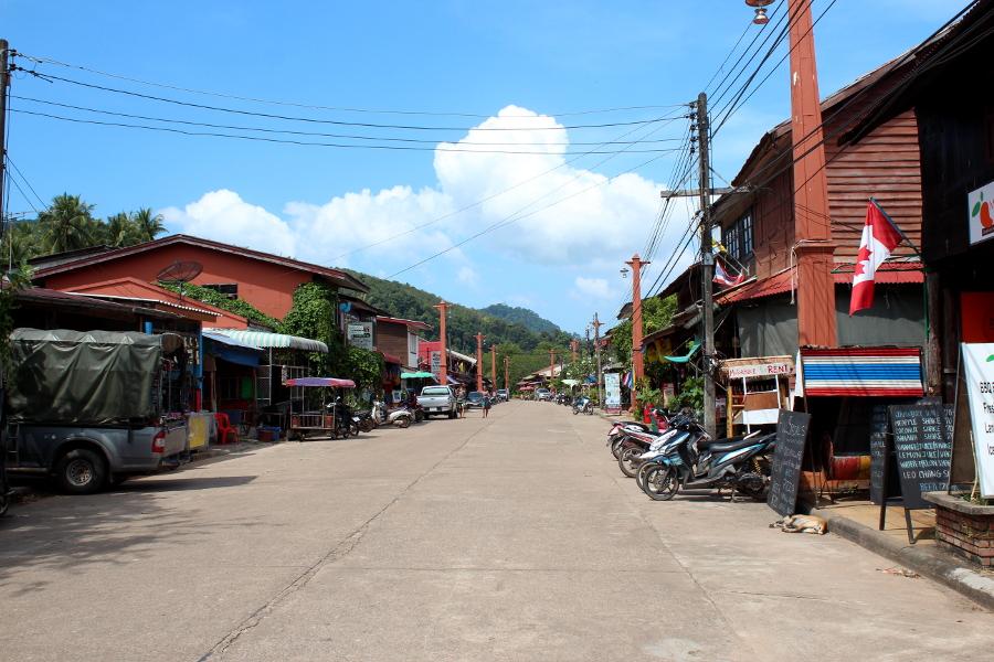 LaosThai2111_Thai_KoLanta_OldTown.jpg