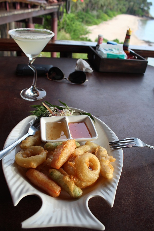 LaosThai2165_Thai_KoLanta_DiamondCliffBeachRestaurant.jpg